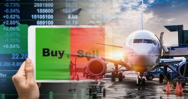 airline stocks to buy sell right now